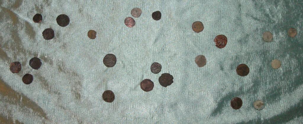 24 Roman Coins loose
